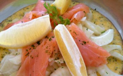 Kräuteromelett mit Räucherlachs und Fenchelsalat
